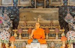 Vaxskulptur av abboten i Wat Paknam Thailand Royaltyfri Fotografi