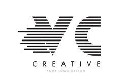 VC дизайн логотипа письма зебры v c с черно-белыми нашивками Стоковая Фотография