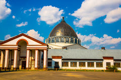 VDNH公园建筑学在莫斯科 VDNH是一个大城市公园、展览会和游乐园,普遍的旅游地标 免版税库存图片