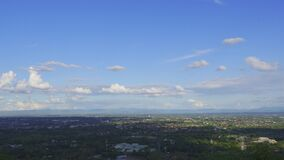 VDO Time-lapse along the peaks and cloud-covered skies with stunning views of the