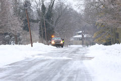 Veículo da emergência na neve imagens de stock