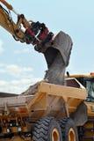 Veículo da escavação & da descarga imagem de stock