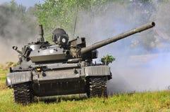 Veículo de exército na luta fotografia de stock royalty free