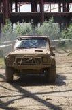 Veículo 4x4 enlameado Fotos de Stock