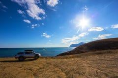 veículo fora de estrada na costa alta Foto de Stock Royalty Free
