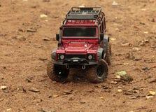 Veículo fora de estrada de Rover Defender da terra fotos de stock