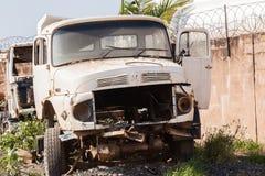 Veículos dos caminhões destruídos abandonados Fotografia de Stock Royalty Free