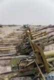 Veículos militares, tanques e armas velhos em Afeganistão foto de stock