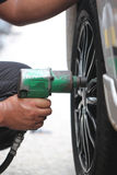 Veículos rodados reparados mecânico Imagem de Stock Royalty Free