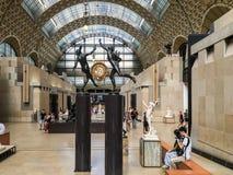 Vea abajo de la longitud de la corte de la escultura, Musee d' Orsay, París, Francia Fotografía de archivo libre de regalías