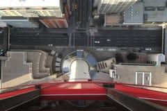 Vea abajo de la torre de Calgary, Canadá Foto de archivo libre de regalías