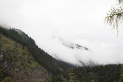 Vea el paisaje de la montaña de las montañas con las nubes en Biberwier, Austria Imagen de archivo
