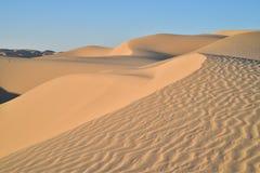 Vea el top de dunas de arena imperiales de la duna de arena, California, los E.E.U.U. Foto de archivo libre de regalías