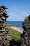 Vea hacia fuera al mar de la gran isla de Blasket Foto de archivo libre de regalías