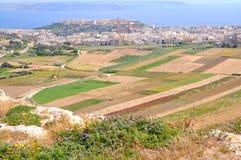 Vea la tapa de la colina en la isla de Gozo, Malta Foto de archivo