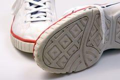 Vecchi accoppiamenti delle scarpe da tennis Immagini Stock