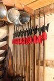 Vecchi armi e caschi Fotografie Stock