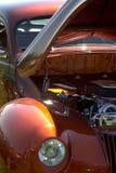 Vecchi automobile e cielo blu dell'annata Fotografia Stock