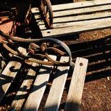 Vecchi banchi di parco di legno Immagine Stock Libera da Diritti