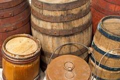 Vecchi barilotti di legno Fotografie Stock