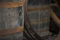 Vecchi barilotti di vino Grungy Immagini Stock Libere da Diritti