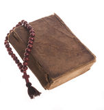 Vecchi bibbia e rosario Fotografia Stock Libera da Diritti