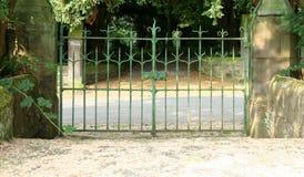 Vecchi cancelli di giardino Immagini Stock Libere da Diritti