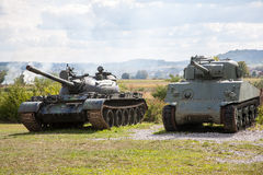 Vecchi carri armati abbandonati, dopo la guerra in Croazia Fotografie Stock