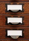 Vecchi cassetti di archivio con i contrassegni in bianco Fotografia Stock Libera da Diritti