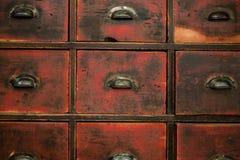 Vecchi cassetto/gabinetto di legno - mobilia d'annata fotografia stock