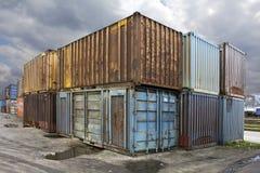Vecchi contenitori Fotografie Stock