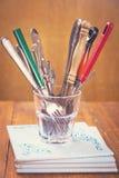 Vecchi cucchiai e forchette Fotografia Stock Libera da Diritti