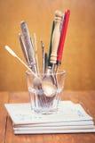 Vecchi cucchiai e forchette Immagini Stock Libere da Diritti