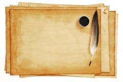 Vecchi documenti con la piuma e l'inchiostro Fotografia Stock