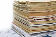 Vecchi documenti sulla tavola Fotografie Stock Libere da Diritti