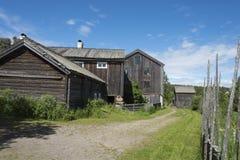Vecchi fabbricati agricoli di legno Halsingland Svezia Fotografia Stock