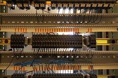 Vecchi fusibili sul pannello di controllo Fotografia Stock