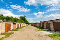 Vecchi garage del mattone Fotografie Stock Libere da Diritti