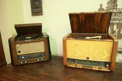 Vecchi grammofoni musicali d'annata per le annotazioni di vinile Immagini Stock Libere da Diritti
