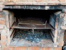 Vecchi griglia e barbecue Fotografia Stock Libera da Diritti