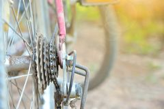 Vecchi ingranaggi della bicicletta del mountain bike Fotografia Stock Libera da Diritti