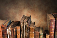Vecchi libri con lo spazio della copia fotografie stock libere da diritti