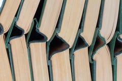Vecchi libri dalla copertina rigida della pila Fotografia Stock