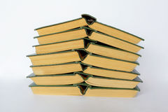 Vecchi libri dalla copertina rigida della pila Immagini Stock