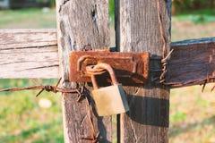 Vecchi lucchetti arrugginiti Fotografie Stock