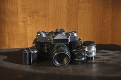 Vecchi macchina fotografica ed obiettivi di vingage Fotografia Stock Libera da Diritti