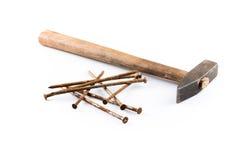 Vecchi martello e chiodi Fotografie Stock Libere da Diritti