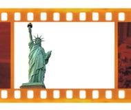 Vecchi 35mm d'annata incorniciano il film della foto con la statua della libertà di NY, U.S.A. royalty illustrazione gratis