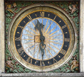 Vecchi orologi a Tallinn Fotografia Stock