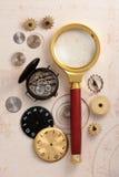 Vecchi orologio ed ingranaggi Fotografia Stock
